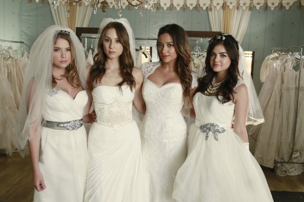 ASHLEY BENSON, TROIAN BELLISARIO, SHAY MITCHELL, LUCY HALE